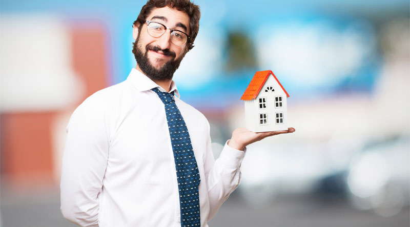 What Advantages Do Administrative Assistants Offer to Real Estate Agents?